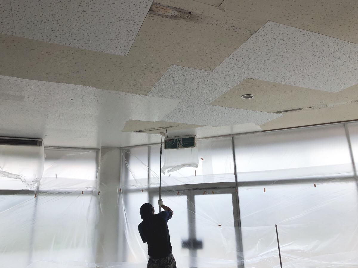店舗改装工事中です!|大分のリフォーム店 リフォネ大分