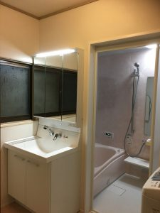 脱衣室施工後|大分市森町K様邸 水回りリフォーム改修工事施工事例|リフォネ大分