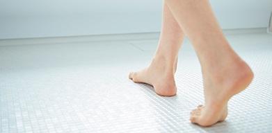 TOTO サザナ お掃除ラクラク ほっカラリ床|大分市のリフォーム会社 リフォネ大分のブログ