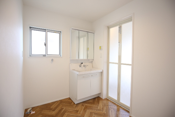 大分市富士見が丘リノベーション物件オープンハウス 洗面脱衣室|リフォネ大分