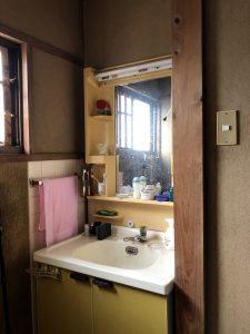 洗面化粧台リフォーム前|別府市Y様邸水回り改修リフォーム工事|リフォネ大分施工事例