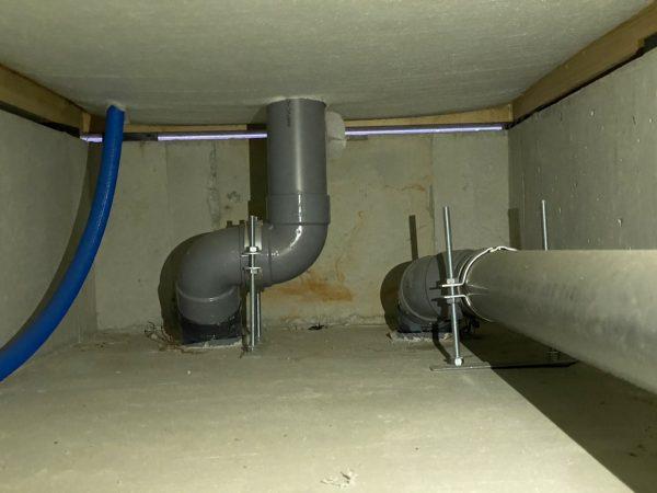 床下 水回り配管