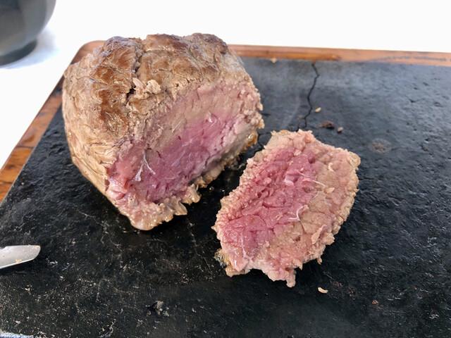 南国Kitchin HANAHANAさん お肉も食欲をすごくそそられます。