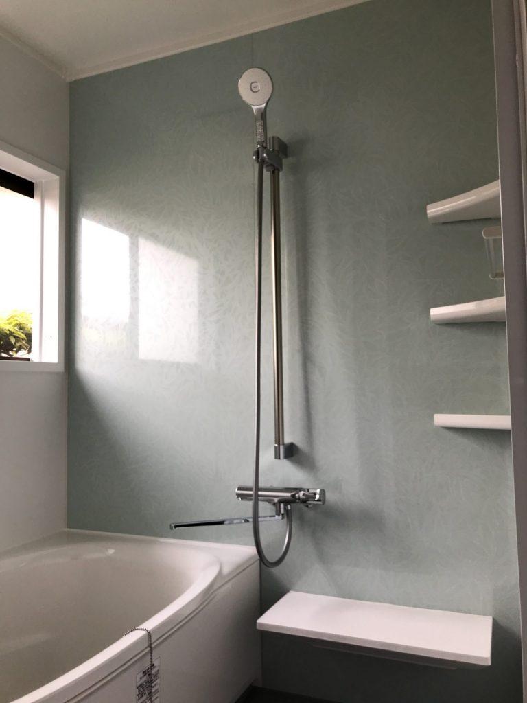 大分市F様邸 浴室改修工事<br />壁に断熱材を入れ、保温効果を高める効果も。